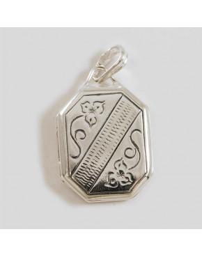 Srebrny sekretnik z grawerowanym wzorkiem WI40