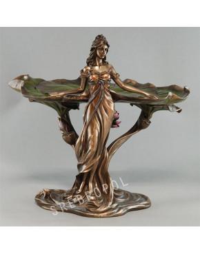 Patera z kobietą stojącą Veronese AN10081A4